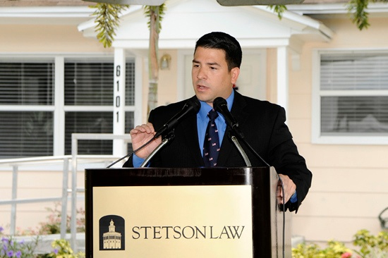 Javier-Centonzio-addresses-the-crowd-at-the-Stetson-Veterans-Law-Institute-opening-May-31-in-Guflport.jpg